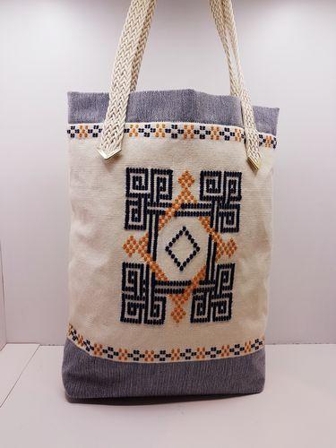 Υφαντή τσάντα ώμου με κέντημα γεωμετρικών μοτίβων